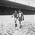 17.1.60. Foot. Simon (TFC) et Just Fontaine (Reims) (1960) - 53Fi6501.jpg