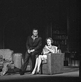 Aase Bye - Bye (right) with actor Jørn Ording (left) at the National Theatre in 1967