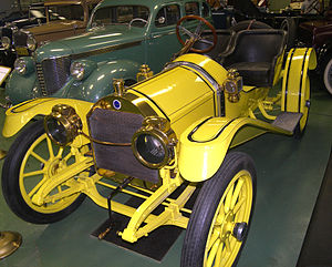 "Empire (1910 automobile) - A 1910 Empire 20 ""B"" model on display at the Central Texas Museum of Automotive History."