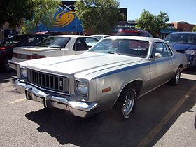 1975 Plymouth Roadrunner (6073290700).jpg