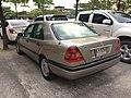 1994-1995 Mercedes-Benz C200 (W202) Sedan (15-11-2017) 03.jpg