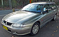 2000-2001 Holden VX Commodore Executive station wagon 03.jpg