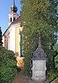 20061108150DR Dresden-Hosterwitz Kirche Maria am Wasser Pagengrab.jpg