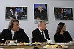 2011-02-03 Владимир Путин с коллективом Первого канала (4).jpeg