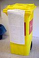 2014-05-25 Wahl der Abgeordneten des Parlaments der Europäischen Union und des Regionspräsidenten der Region Hannover, (09) Wahlurne 2.jpg