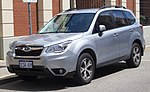 2015 Subaru Forester (MY15) 2.5i Luxury AWD wagon (2018-10-29) 01.jpg