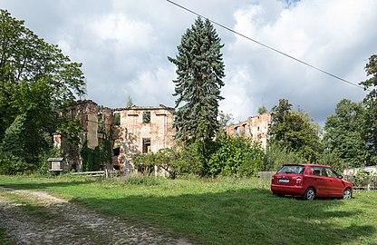 2019 Zamek w Owieśnie 1.jpg