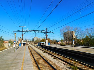 63rd Street station (Metra) - The 63rd Street station of Metra Electric in November 2016.