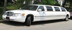 98-02 Lincoln Town Car limousine.jpg