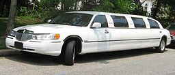 98-02 Lincoln Town Car limousine