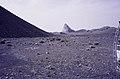 ASC Leiden - van Achterberg Collection - 14 - 13 - Le désert avec une formation rocheuse déchiquetée - Ahaggar, Algérie - 1984.jpg