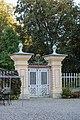 AT-81556 und 34186 Schloss Damtschach 010.jpg