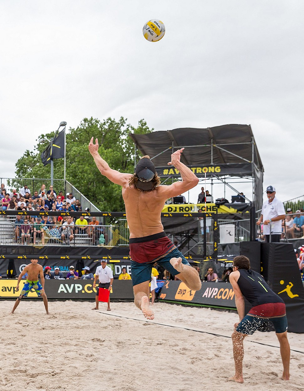 AVP Professional Beach Volleyball in Austin, Texas (2017-05-21) (35358811102) (cropped)