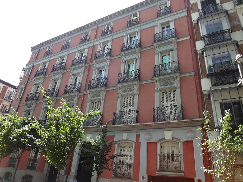 Archivo a brick building at barrio de salamanca madrid spain jpg wikipedia la enciclopedia libre - Barrio salamanca madrid ...