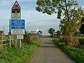 Across the Tracks - geograph.org.uk - 273037.jpg