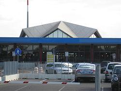 Aeroporto di Forlì.jpg