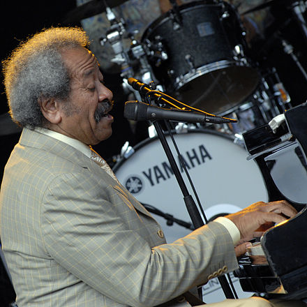 Toussaint performing in Stockholm in 2009 AllenToussaint Stockholm20090715.jpg