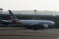 American Airlines, Boeing 777-223ER, N780AN (20158806615).jpg