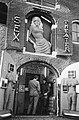 Amsterdam sex-theater, OZ Achterburgwal, Bestanddeelnr 924-1904.jpg