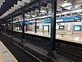 Andén central de la Estación Primera Junta en sentido sur, Subte de Buenos Aires.jpg
