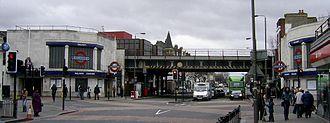 Balham - Image: Balham tube 080120