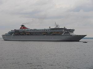 Balmoral departing 7 July 2012 Tallinn.JPG