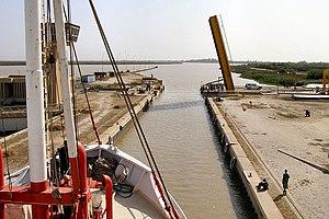 Diama Dam - Ship lock on the dam