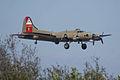 Boeing B-17G-85-DL Flying Fortress Nine-O-Nine Landing Approach 08 CFatKAM 09Feb2011 (14797243499).jpg