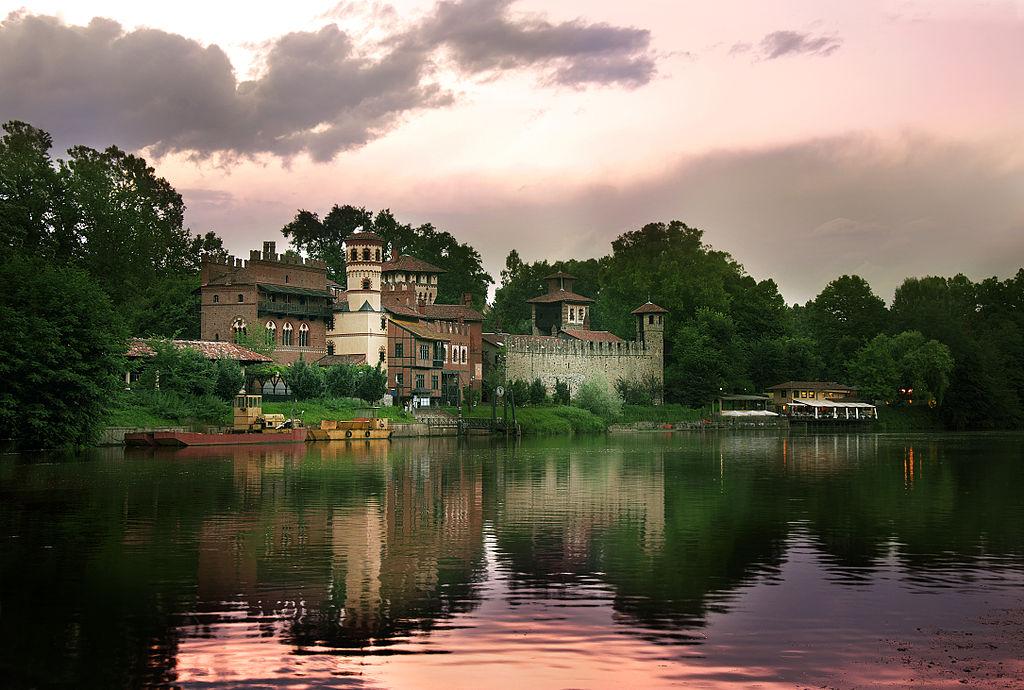 Borgo medievla à Turin dans le quartier de San Salvario - Photo de Ciampolilloenrico
