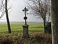 Borová, kríž pri ceste na Dlhú - panoramio.jpg