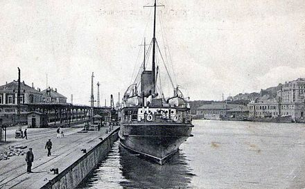 A pre-war photograph of the Gare Maritime at Boulogne, showing the quay used by British destroyers during the evacuation Boulogne gare maritime bateau cpa.jpg
