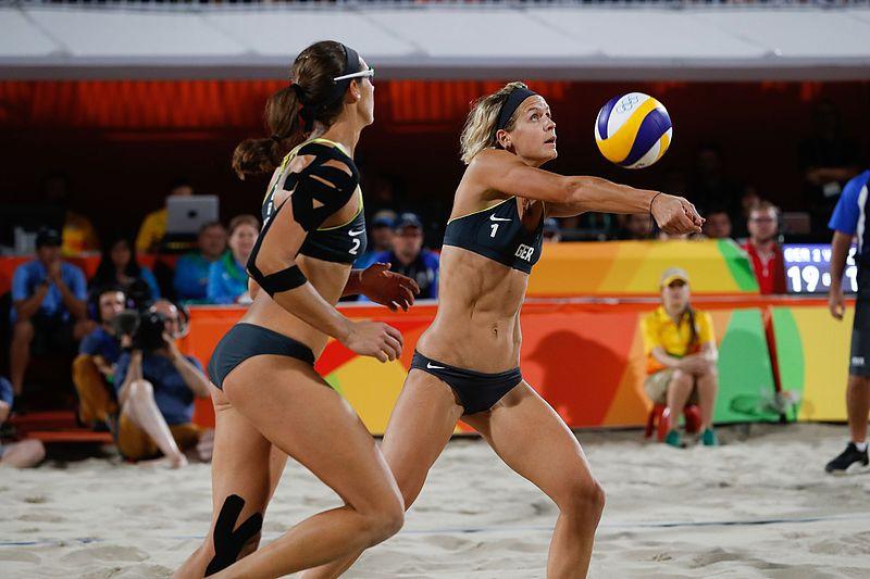 File:Brasileiras levam a prata no vôlei de praia 1038665-18.08.2016 ffz-4628.jpg