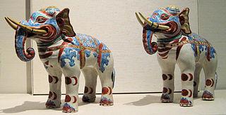 Kakiemon elephants