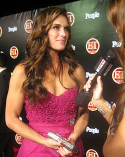 Brooke Shields (2008) cropped.JPG