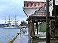 Bryggen i Bergen - Dramshusens skur sett mot Bergenhus.jpg