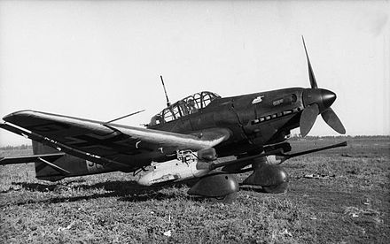 "Ju 87 G-1 ""Kanonenvogel"" with its twin Bordkanone 3.7 cm (1.46 in) underwing gun pods. Bundesarchiv Bild 101I-646-5184-26, Russland, Flugzeug Junkers Ju 87 edit 1.jpg"