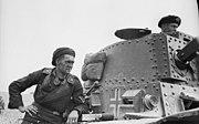 Bundesarchiv Bild 101I-769-0229-26, Frankreich, Panzersoldat, Panzer 38(t)