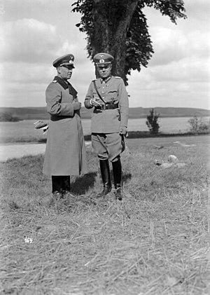 Ludwig Beck - Image: Bundesarchiv Bild 136 B3516, Wehrmachtmanöver, Werner v. Fritsch, Ludwig Beck
