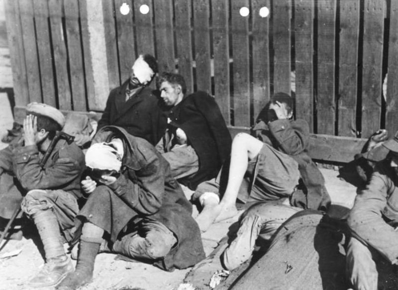 Bundesarchiv Bild 146-2005-0038, Warschauer Aufstand, Kapitulation