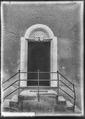 CH-NB - Chardonne, Portail d'une maison, vue d'ensemble - Collection Max van Berchem - EAD-7240.tif