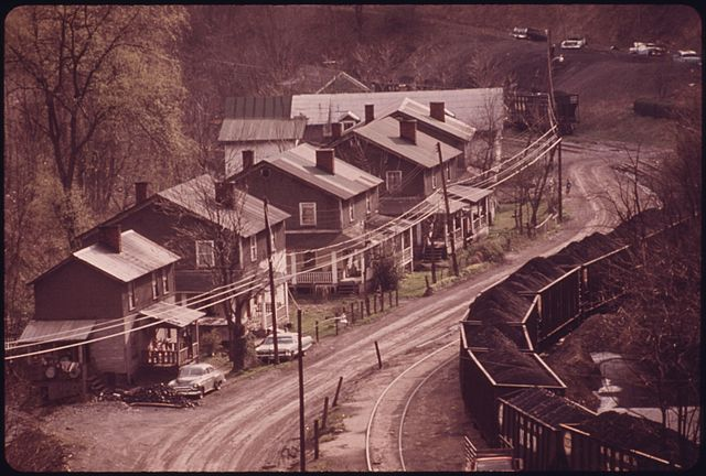 File Closeup Of An Old Coal Company Mining Town Of Red Ash