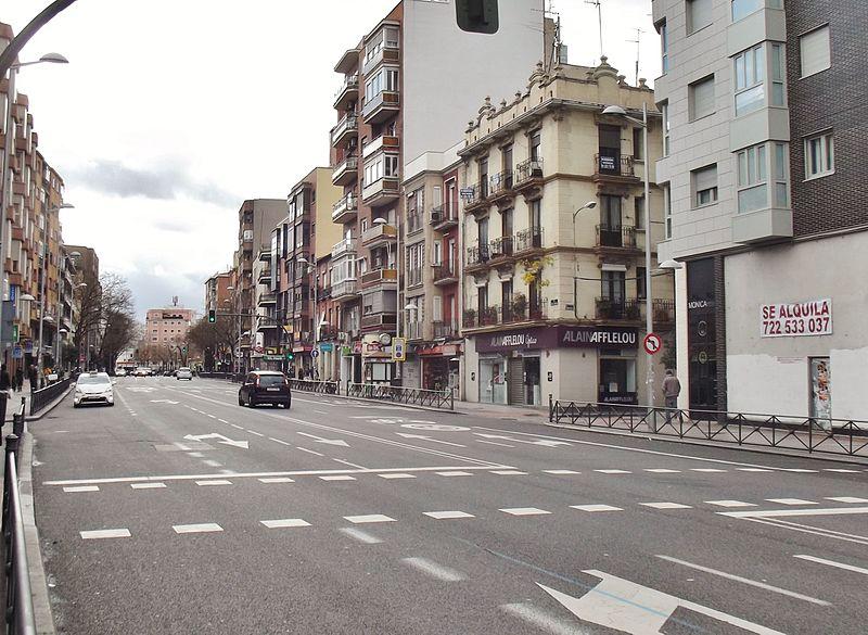 Archivo calle de bravo murillo madrid jpg wikipedia la enciclopedia libre - Calle nebulosas madrid ...