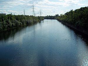 Canal de l'Aqueduc - Canal de l'Aqueduc, Avenue Dollard