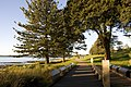 Captain Cooks Landing Place Park - panoramio.jpg