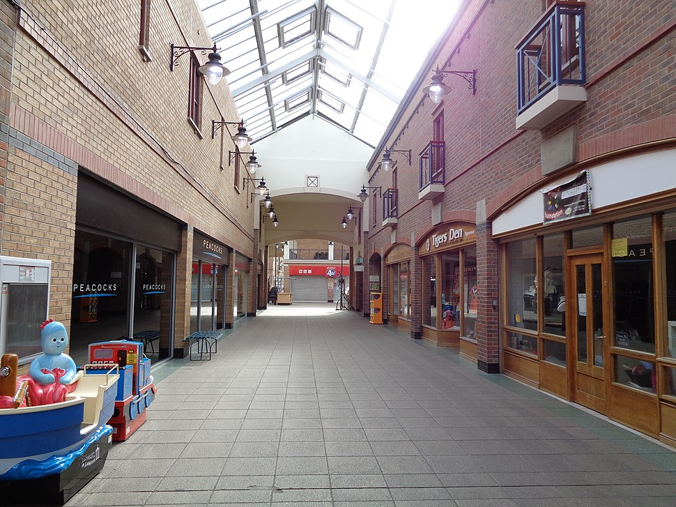 Carlton Lanes shopping centre, Castleford (7th July 2015) 002