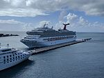 Carnival Conquest and Star Legend (31890140276).jpg