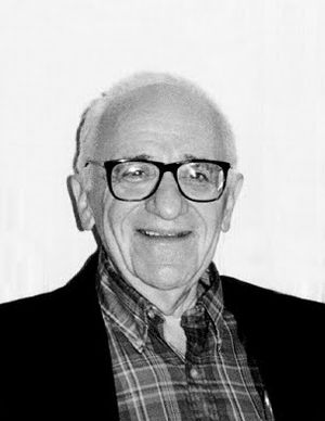 English: Casual photo of Murray Rothbard