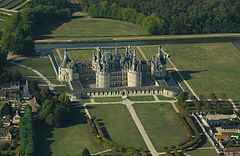 Chambord castle, aerial view.jpg