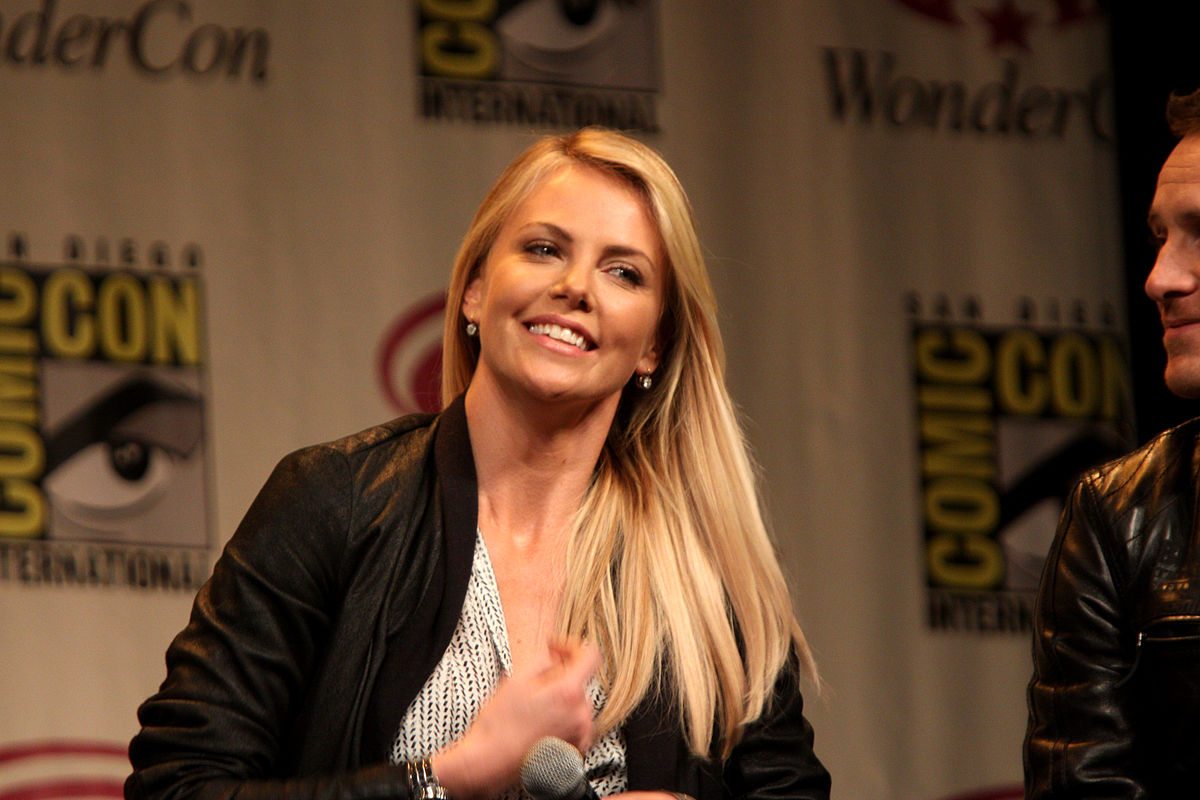 Wikimise: Charlize Theron Wiki and Pics