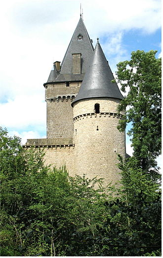 Valley of the Seven Castles - Image: Chateau Hollenfels